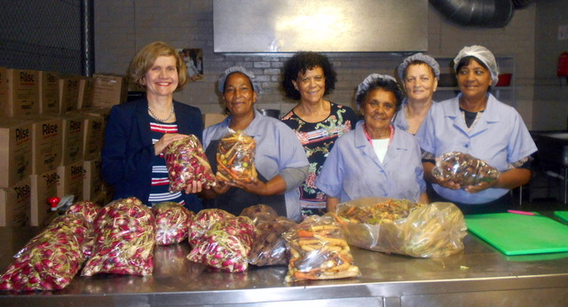 Liesel Koen and the ladies that assist her